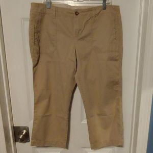 3/$15 Old Navy Khaki Capris - Size 14